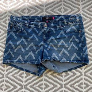 Torrid shorts sz 14
